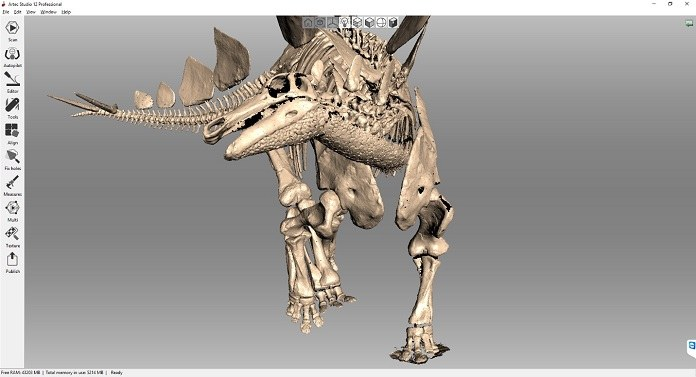 3D scanning a one-piece dinosaur skeleton in minute detail | Artec
